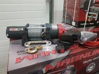 Лебёдка электрическая 12V Runva 4500A lbs (синтетический трос) с ДУ